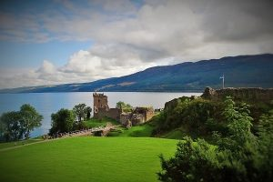 Scottish Castle Tours - Urquhart