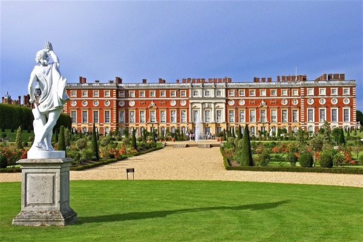 Hampton Court Palace, Greater London, England